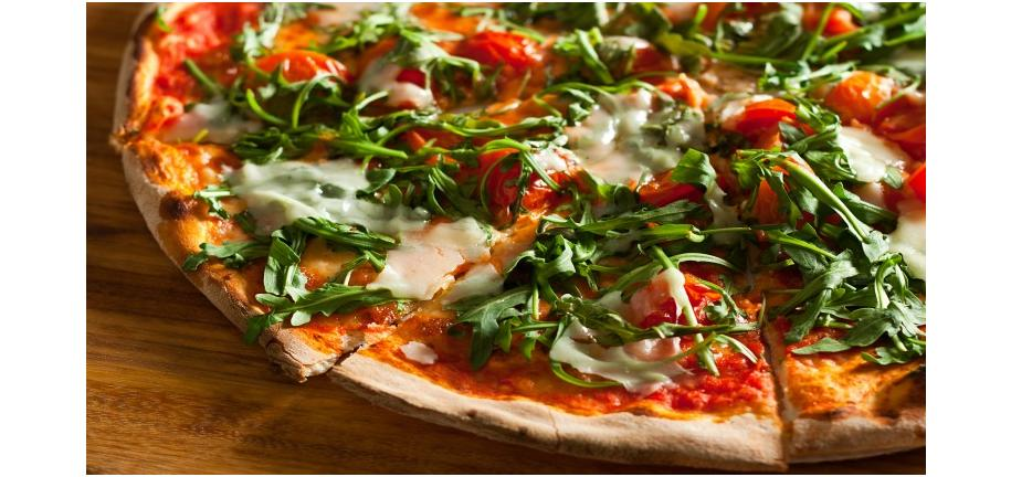 Tower Healthy Quick Dish: Egg & Rocket Pizzas